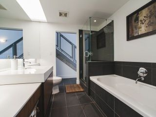 Photo 9: 902 33 W PENDER Street in Vancouver: Downtown VW Condo for sale (Vancouver West)  : MLS®# R2234015