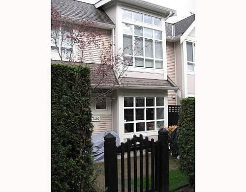 Main Photo: 7410 HAWTHORNE Terrace in Middlegate BS: Home for sale : MLS®# V642009