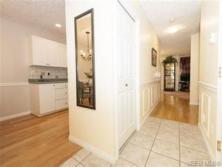 Photo 10: 2 1241 Santa Rosa Ave in VICTORIA: SW Strawberry Vale Row/Townhouse for sale (Saanich West)  : MLS®# 725343