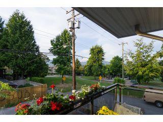 Photo 3: # 206 659 E 8TH AV in Vancouver: Mount Pleasant VE Condo for sale (Vancouver East)  : MLS®# V1075635