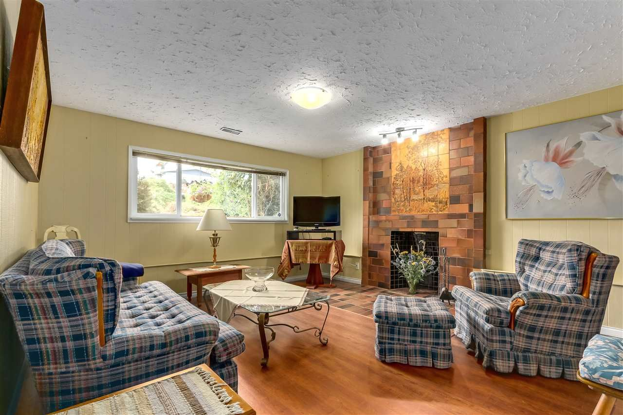 Photo 14: Photos: 7656 JUNIPER Street in Mission: Mission BC House for sale : MLS®# R2295491
