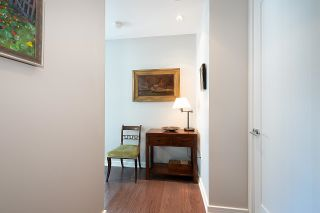 """Photo 5: 410 181 W 1ST Avenue in Vancouver: False Creek Condo for sale in """"The Brook"""" (Vancouver West)  : MLS®# R2614809"""