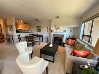 """Photo 3: 403 5855 COWRIE Street in Sechelt: Sechelt District Condo for sale in """"THE OSPREY"""" (Sunshine Coast)  : MLS®# R2581571"""