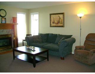 Photo 2: 330 QUEEN Street in WINNIPEG: St James Residential for sale (West Winnipeg)  : MLS®# 2814466