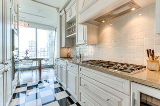 Photo 11: 2402 183 W Wellington Street in Toronto: Condo for lease (Toronto C01)  : MLS®# C3690976