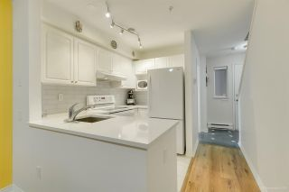 """Photo 8: 236 2565 W BROADWAY Street in Vancouver: Kitsilano Townhouse for sale in """"Trafalgar Mews"""" (Vancouver West)  : MLS®# R2581558"""
