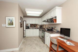 """Photo 13: 4 6537 138 Street in Surrey: East Newton Townhouse for sale in """"Charleston Green"""" : MLS®# R2303833"""