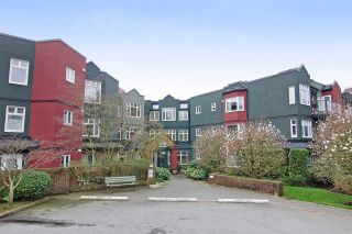 Photo 1: 216 121 W 29TH Street in North Vancouver: Upper Lonsdale Condo for sale : MLS®# R2045680