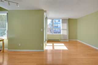 """Photo 5: 401 1406 HARWOOD Street in Vancouver: West End VW Condo for sale in """"JULIA COURT"""" (Vancouver West)  : MLS®# R2568055"""