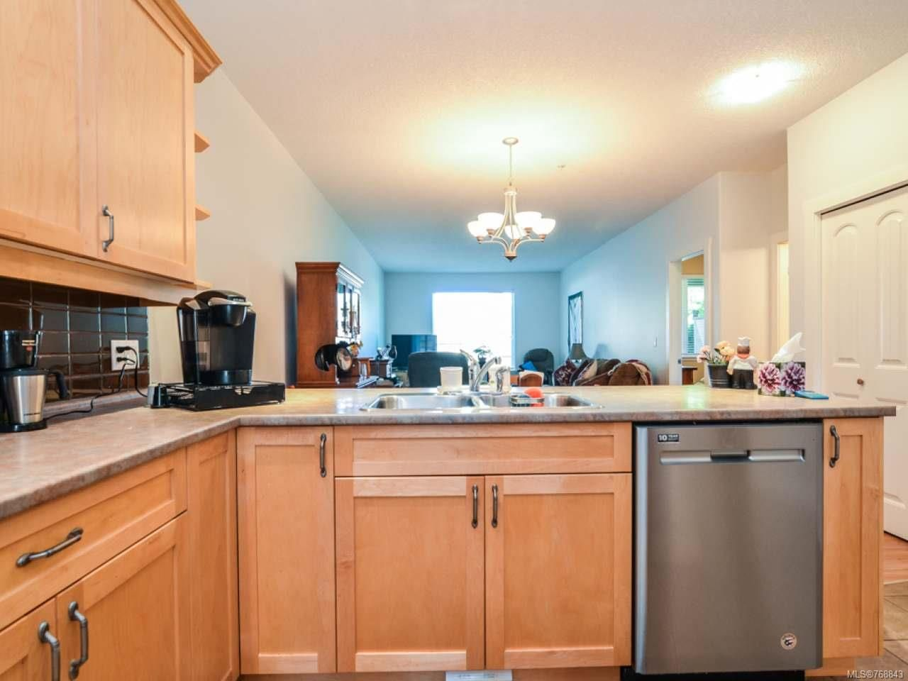 Photo 3: Photos: 15 346 Erickson Rd in CAMPBELL RIVER: CR Willow Point Row/Townhouse for sale (Campbell River)  : MLS®# 768843