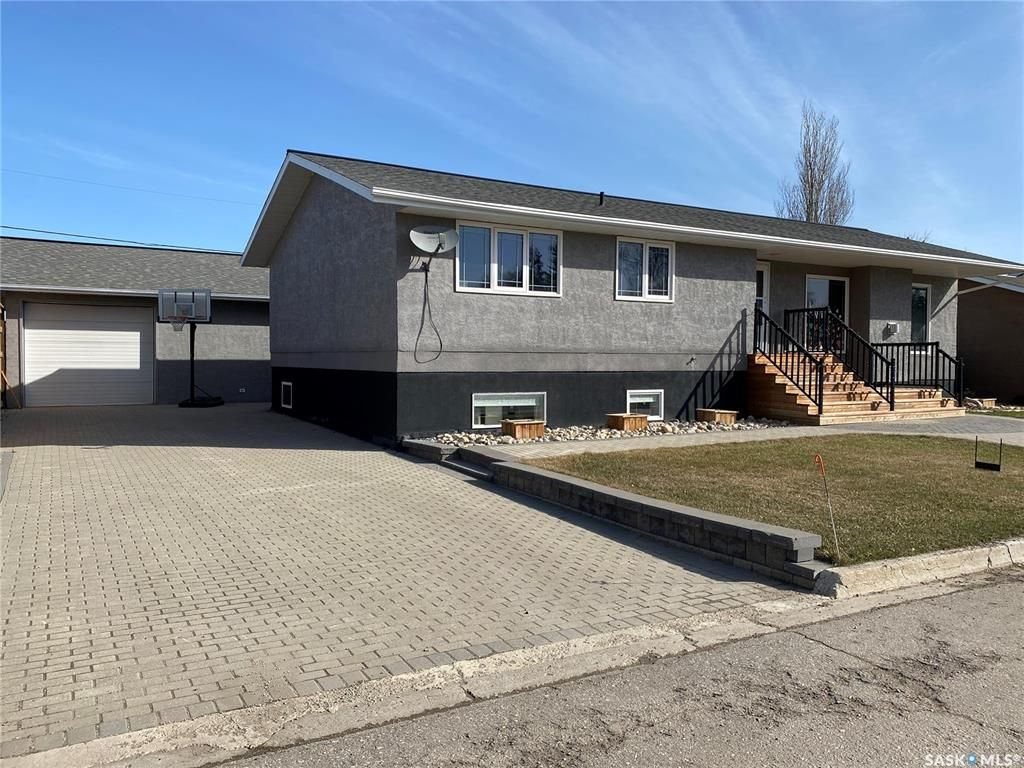 Main Photo: 604 Little Quill Avenue in Wynyard: Residential for sale : MLS®# SK834726