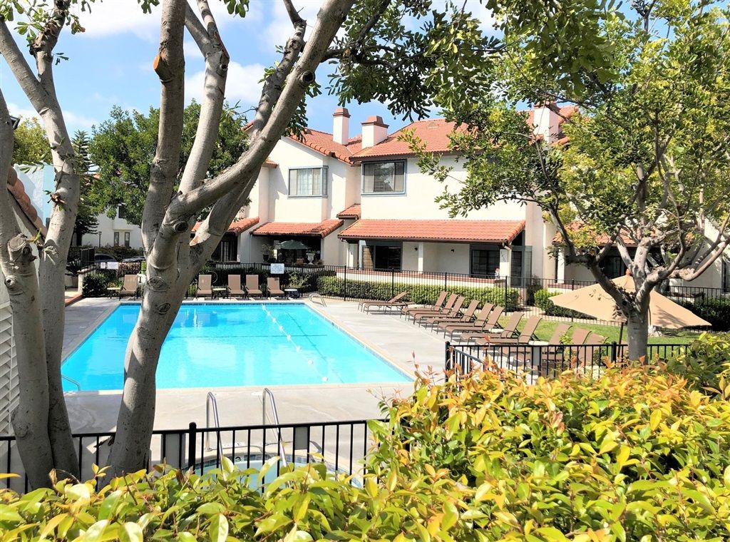 Main Photo: DEL CERRO Townhouse for sale : 2 bedrooms : 3435 Mission Mesa Way in San Diego