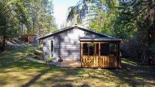 """Photo 11: 12715 LAGOON Road in Madeira Park: Pender Harbour Egmont House for sale in """"PENDER HARBOUR"""" (Sunshine Coast)  : MLS®# R2567037"""