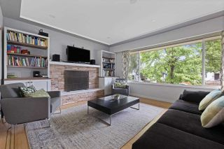 Photo 2: 356 E 40TH AVENUE in Vancouver: Main House for sale (Vancouver East)  : MLS®# R2589860
