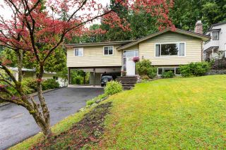 """Photo 1: 2267 PARK Crescent in Coquitlam: Chineside House for sale in """"CHINESIDE"""" : MLS®# R2172163"""