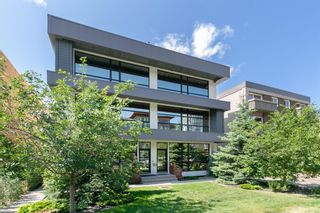 Main Photo: 1723 10 Street SW in Calgary: Lower Mount Royal Row/Townhouse for sale : MLS®# A1026104