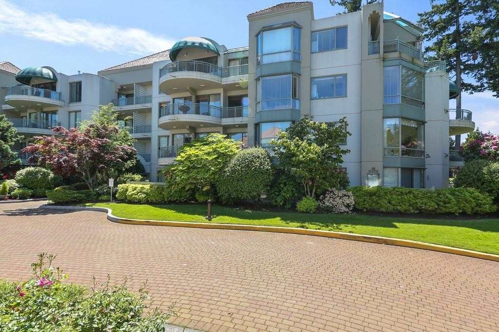 """Main Photo: 207 1725 MARTIN Drive in Surrey: Sunnyside Park Surrey Condo for sale in """"Southwynde by Bosa Construction"""" (South Surrey White Rock)  : MLS®# R2589196"""