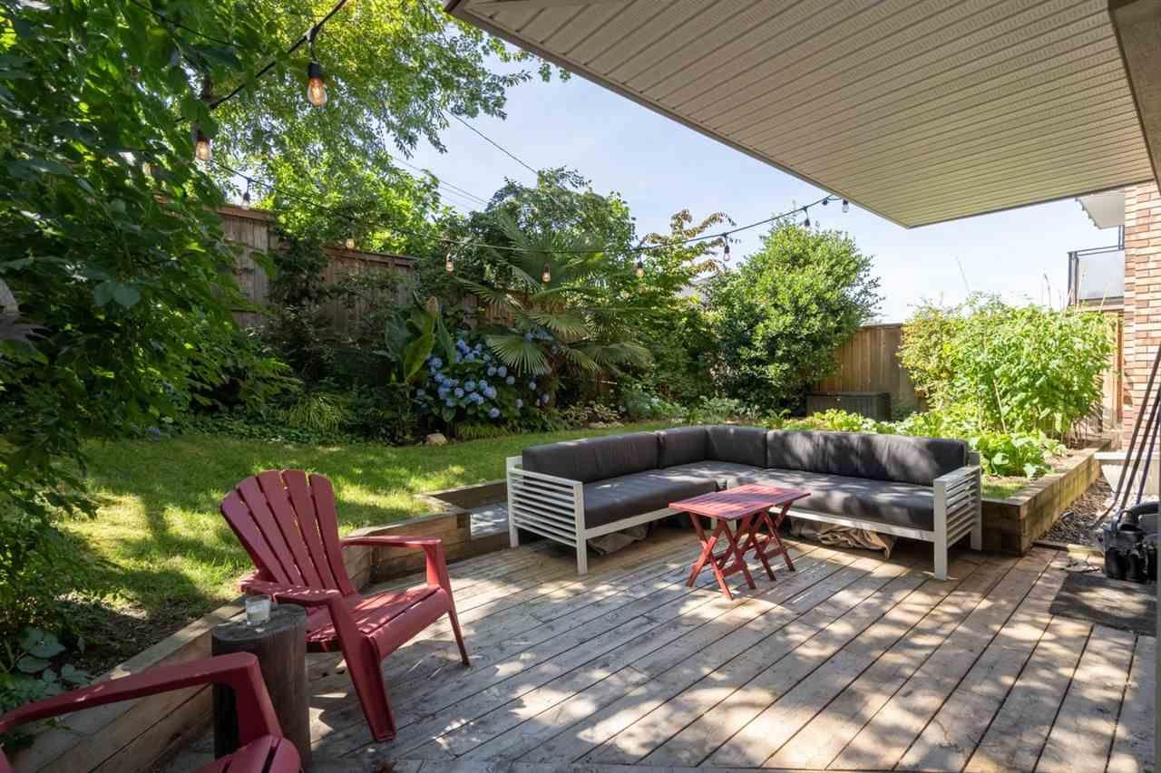 "Main Photo: 205 1066 E 8TH Avenue in Vancouver: Mount Pleasant VE Condo for sale in ""LANDMARK CAPRICE"" (Vancouver East)  : MLS®# R2477839"