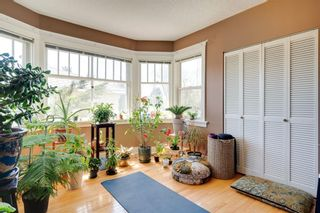 Photo 13: 3118 39 Street SW in Calgary: Glenbrook Detached for sale : MLS®# A1105435