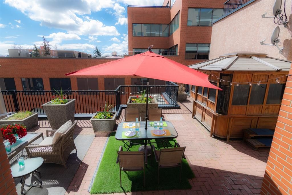 Main Photo: 309 881 15 Avenue SW in Calgary: Beltline Apartment for sale : MLS®# A1102813