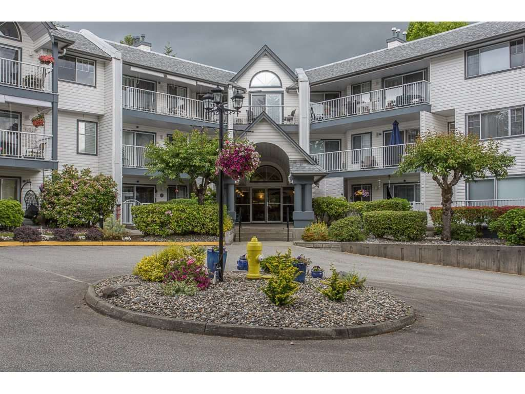 "Main Photo: 115 11601 227 Street in Maple Ridge: East Central Condo for sale in ""CASTLEMOUNT / FRASERVIEW VILLAGE"" : MLS®# R2312329"