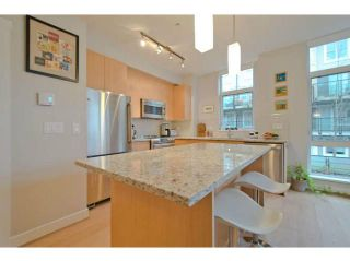 "Photo 5: 225 735 W 15TH Street in North Vancouver: Hamilton Townhouse for sale in ""SEVEN 35"" : MLS®# V1042022"