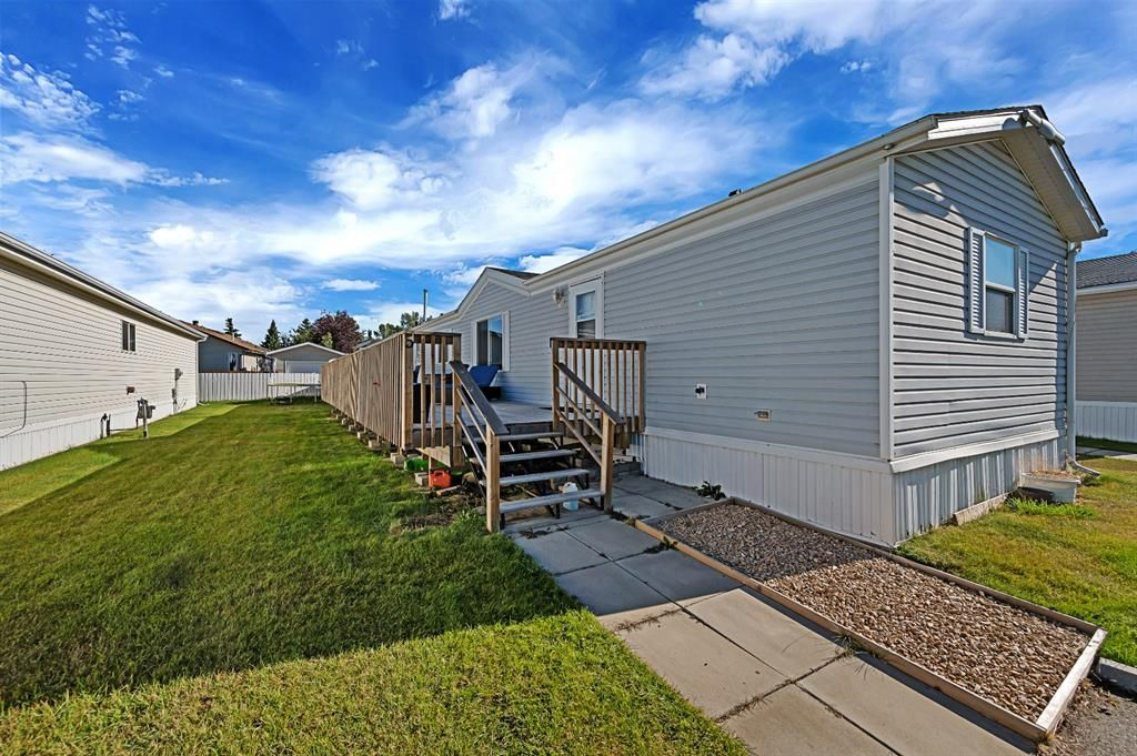 Main Photo: 5 900 Ross Street: Crossfield Mobile for sale : MLS®# A1030432
