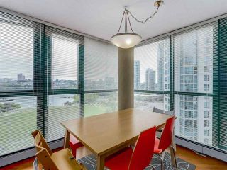 Photo 8: Vancouver West in Yaletown: Condo for sale : MLS®# R2079482