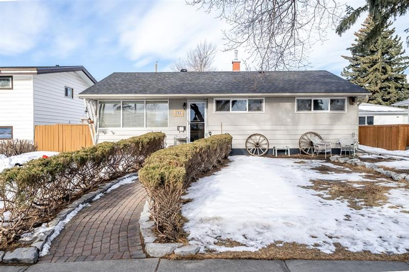 FEATURED LISTING: 283 Northmount Drive Northwest Calgary