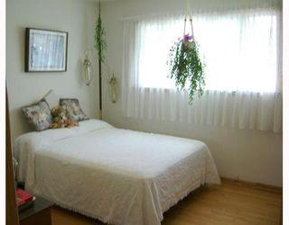 Photo 8: 540 SYDNEY Avenue in WINNIPEG: East Kildonan Residential for sale (North East Winnipeg)  : MLS®# 2805398