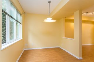 """Photo 5: 68 6465 184A Street in Surrey: Cloverdale BC Townhouse for sale in """"Rosebury Lane"""" (Cloverdale)  : MLS®# R2306057"""