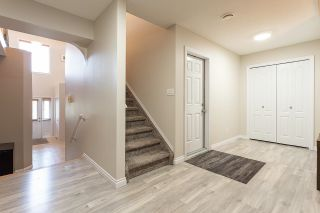 Photo 3: 1423 HERMITAGE Road in Edmonton: Zone 35 Townhouse for sale : MLS®# E4263776
