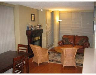 Photo 2: 2 1633 W 8TH Avenue in Vancouver: Fairview VW Condo for sale (Vancouver West)  : MLS®# V666446