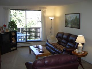 """Photo 2: 206 10698 151A Street in Surrey: Guildford Condo for sale in """"LINCOLN'S HILL"""" (North Surrey)  : MLS®# F1000089"""