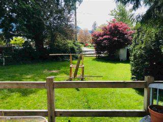 "Photo 2: 2026 GARIBALDI Way in Squamish: Garibaldi Estates House for sale in ""GARIBALDI ESTATES"" : MLS®# R2580677"