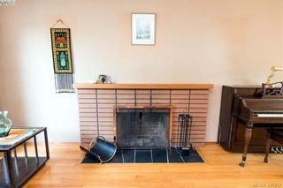 Photo 3: 1741 Garnet Rd in VICTORIA: SE Mt Tolmie House for sale (Saanich East)  : MLS®# 794242