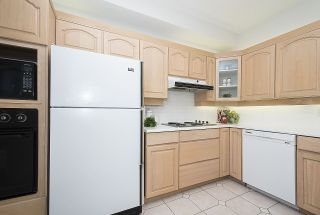 "Photo 8: 315 3777 W 8TH Avenue in Vancouver: Point Grey Condo for sale in ""THE CUMBERLAND"" (Vancouver West)  : MLS®# R2174467"