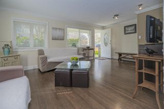Photo 2: 404 KELLY Street in New Westminster: Sapperton House for sale : MLS®# R2449538