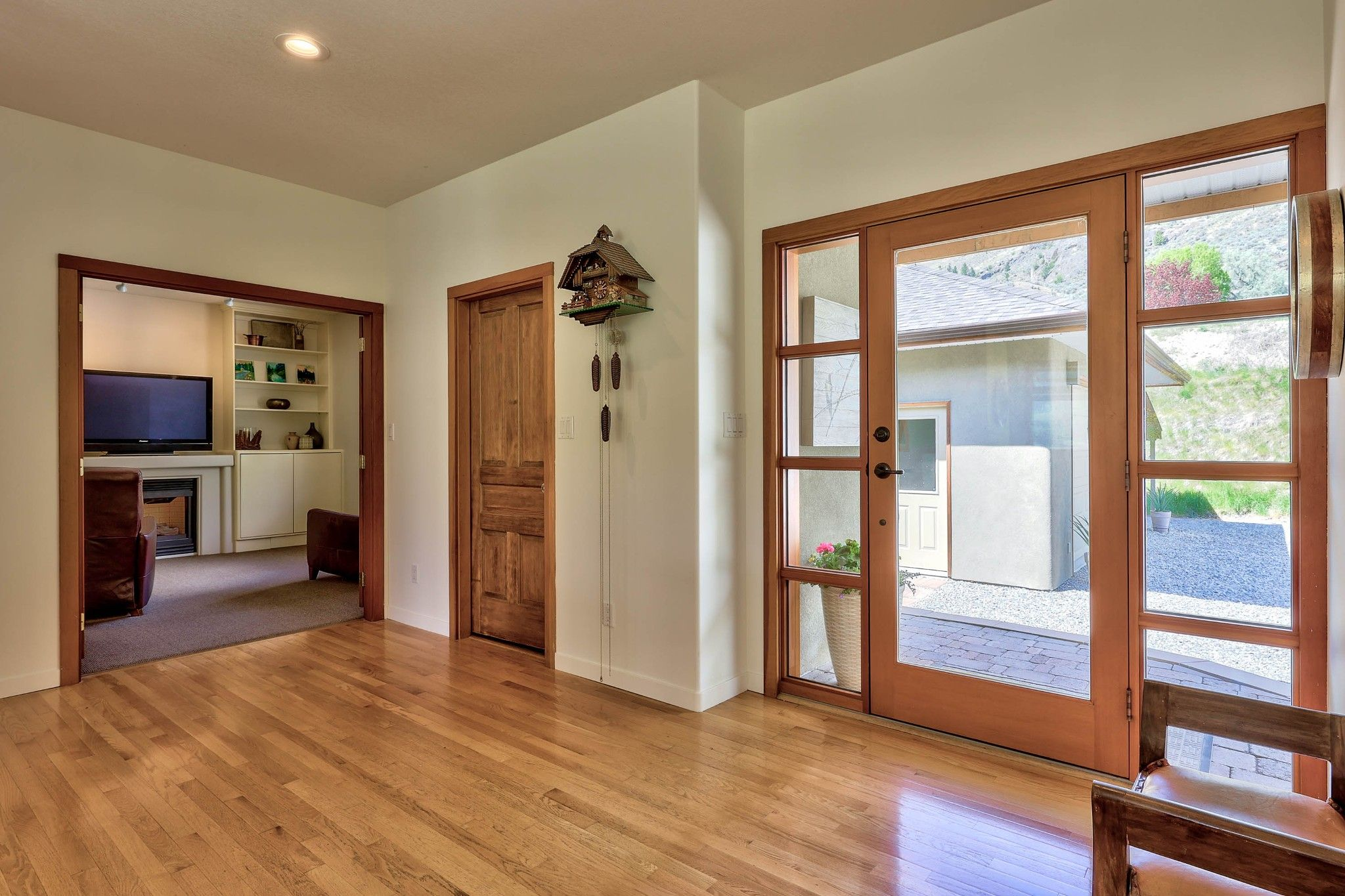 Photo 5: Photos: 3299 E Shuswap Road in Kamloops: South Thompson Valley House for sale : MLS®# 162162