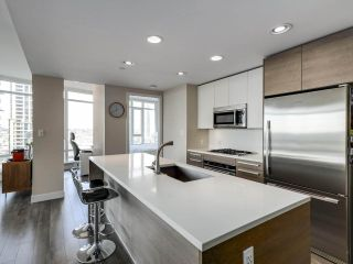 "Photo 9: 1210 2008 ROSSER Avenue in Burnaby: Brentwood Park Condo for sale in ""SOLO Stratus"" (Burnaby North)  : MLS®# R2563283"