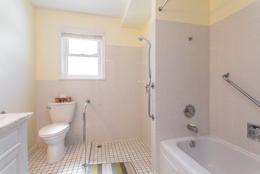 Photo 3: Photos: 56 Torian Avenue in Whitby: Brooklin House (Bungalow) for sale : MLS®# E3456917