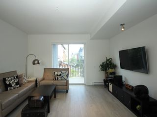 """Photo 3: 16 2325 RANGER Lane in Port Coquitlam: Riverwood Townhouse for sale in """"Fremont Blue"""" : MLS®# R2272901"""
