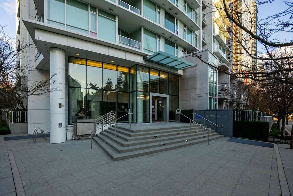 "Main Photo: 2501 161 W GEORGIA Street in Vancouver: Downtown VW Condo for sale in ""COSMO"" (Vancouver West)  : MLS®# R2551123"
