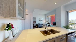 """Photo 7: 701 933 E HASTINGS Street in Vancouver: Strathcona Condo for sale in """"STRATHCONA VILLAGE-BALLANTYNE"""" (Vancouver East)  : MLS®# R2368592"""
