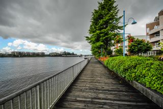 """Photo 16: 603 1250 QUAYSIDE Drive in New Westminster: Quay Condo for sale in """"THE PROMENADE"""" : MLS®# R2347094"""