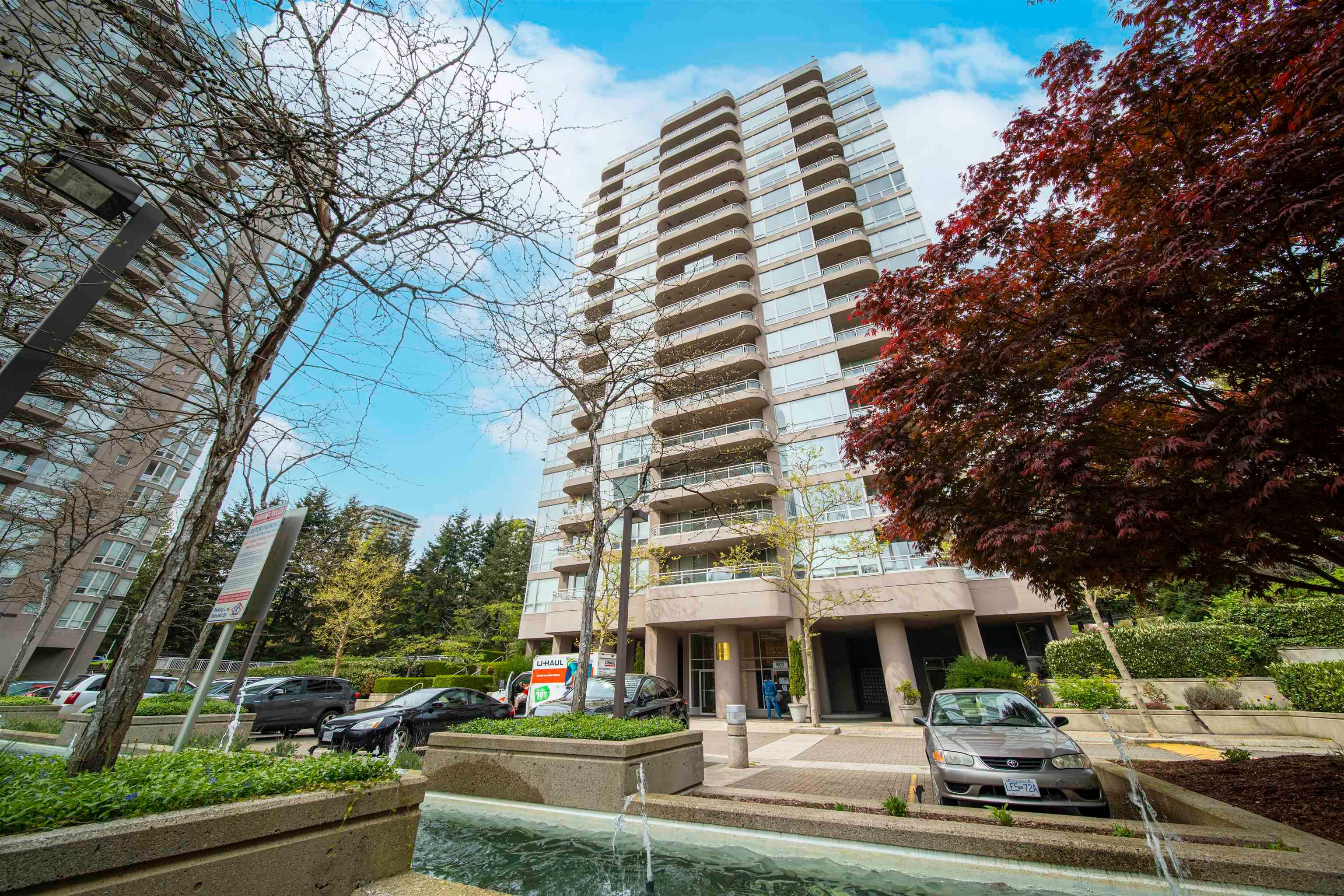 Main Photo: 1208 9633 MANCHESTER Drive in Burnaby: Cariboo Condo for sale (Burnaby North)  : MLS®# R2625500