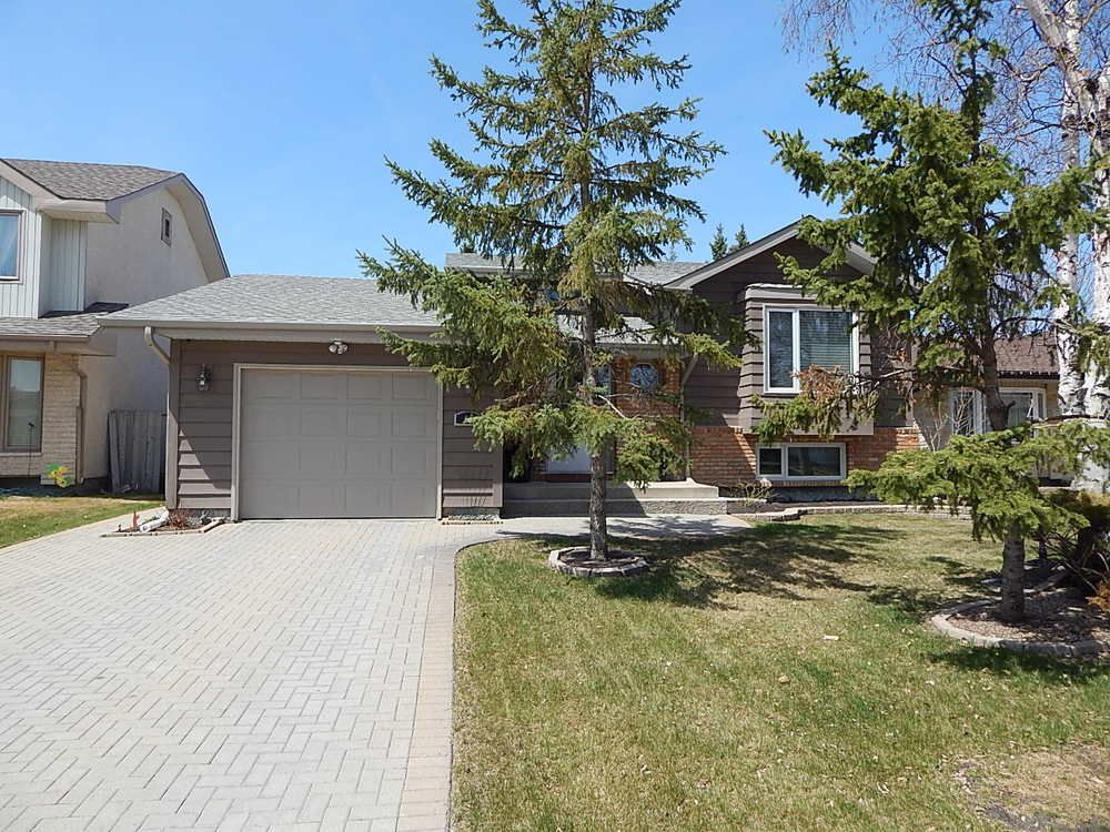 Main Photo: 59 Olford Crescent in Winnipeg: House for sale : MLS®# 1811407