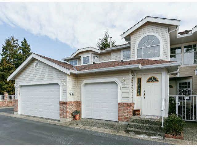 "Main Photo: 25 9168 FLEETWOOD Way in Surrey: Fleetwood Tynehead Townhouse for sale in ""FOUNTAINS"" : MLS®# F1403191"