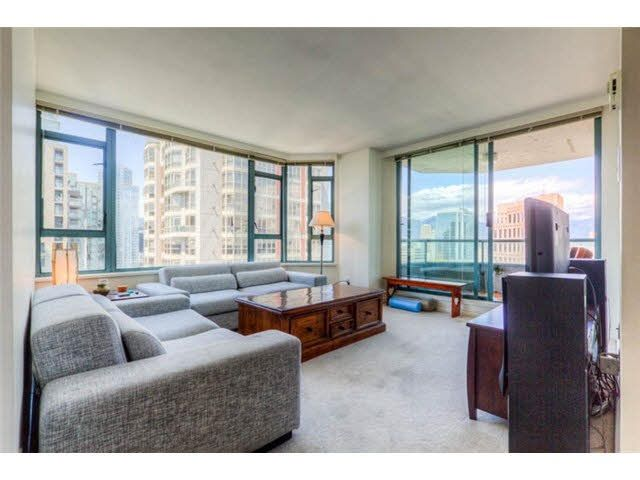 """Main Photo: 2204 888 HAMILTON Street in Vancouver: Yaletown Condo for sale in """"Rosedale Garden Residences"""" (Vancouver West)  : MLS®# R2095328"""
