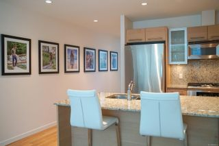Photo 8: 318 68 Songhees Rd in : VW Songhees Condo for sale (Victoria West)  : MLS®# 886313
